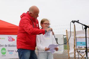 Sjoerd en Jikke maken indruk tijdens groot protest tegen gaswinning onder de Waddenzee